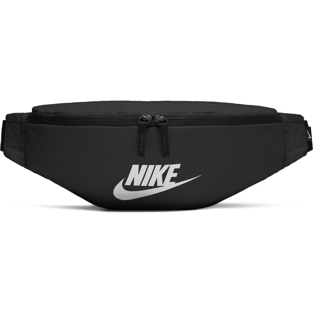 Nike Sportswear Heritage Hip Back
