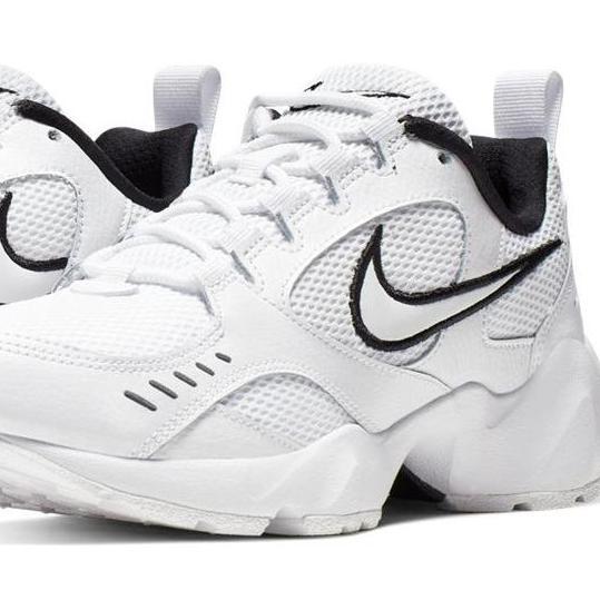 Nike Air Heights Sneaker